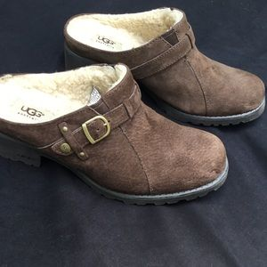 NWOT* UGG Brown Shearling-Lined Clogs